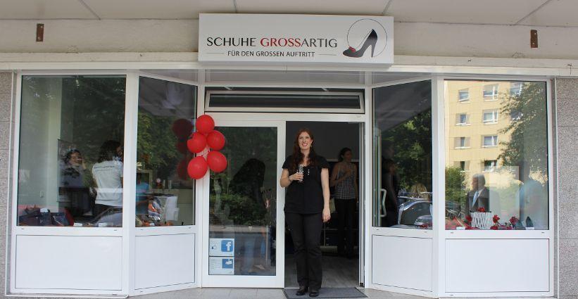 Am 1.9.12 war es endlich soweit -Schuhe Grossartig feierte Eröffnung :)