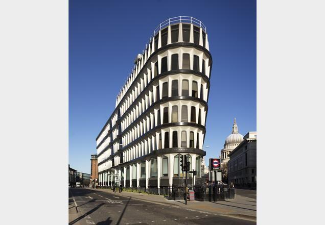 1798570_30-Cannon-Street-Credit-Lyonnais-Whinney-Son_and_Austen-Hall-2.jpg (636×441)