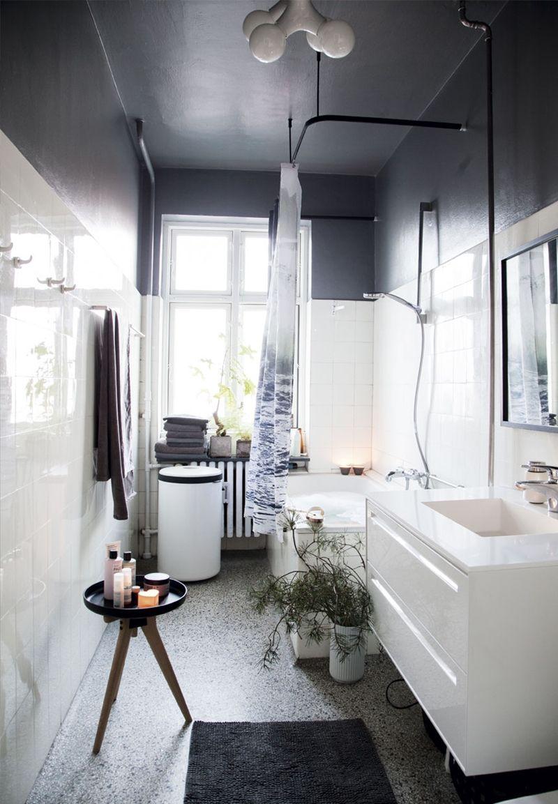 A graphic and minimalist Christmas  Salle de bain noir et blanc