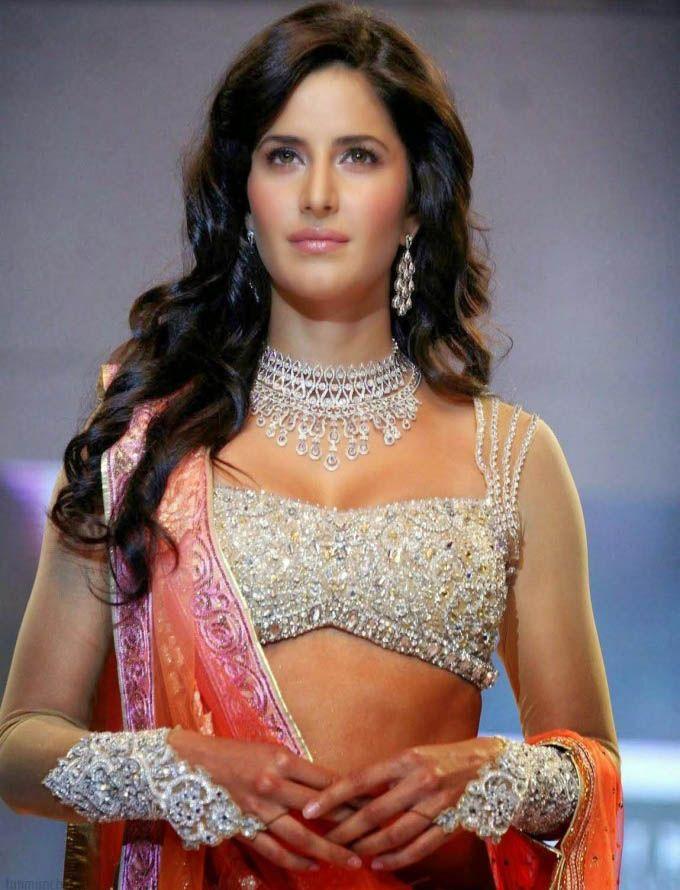 Katrina Kaif Walks The Ramp For Nakshatra Diamond