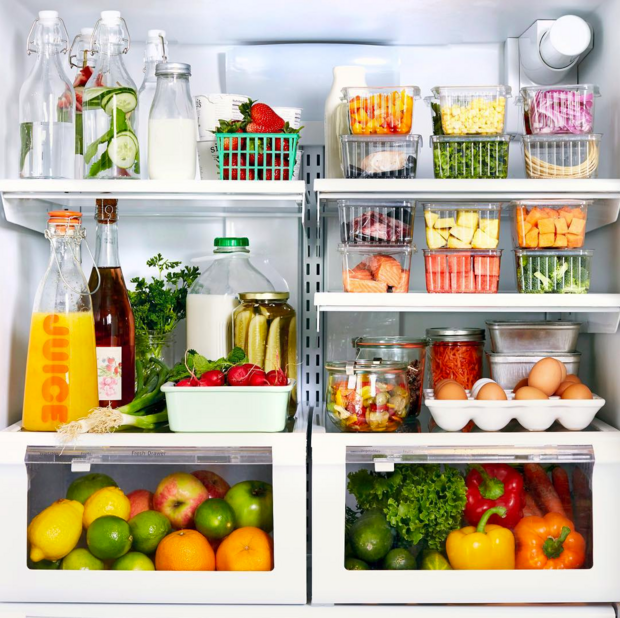 Literally just photos of really organized refrigerators for Frigo cuisine pro