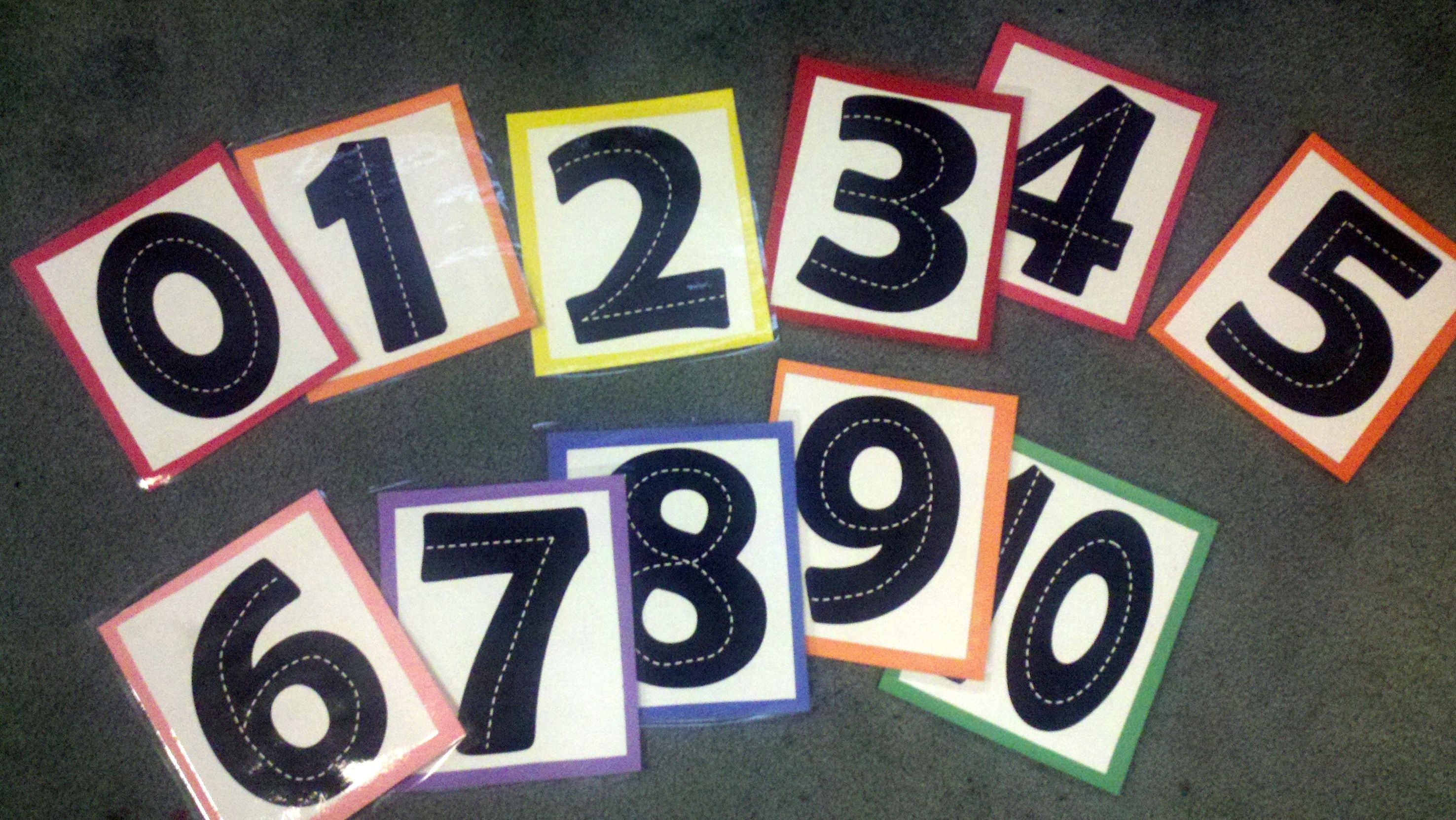 Number Highway cards (0-10) original pattern available to print for free at www.makinglearningfun.com. I just cut to smaller size, glued on construction paper, laminated, and cut again. Good for math/number learning center for Transportation theme!