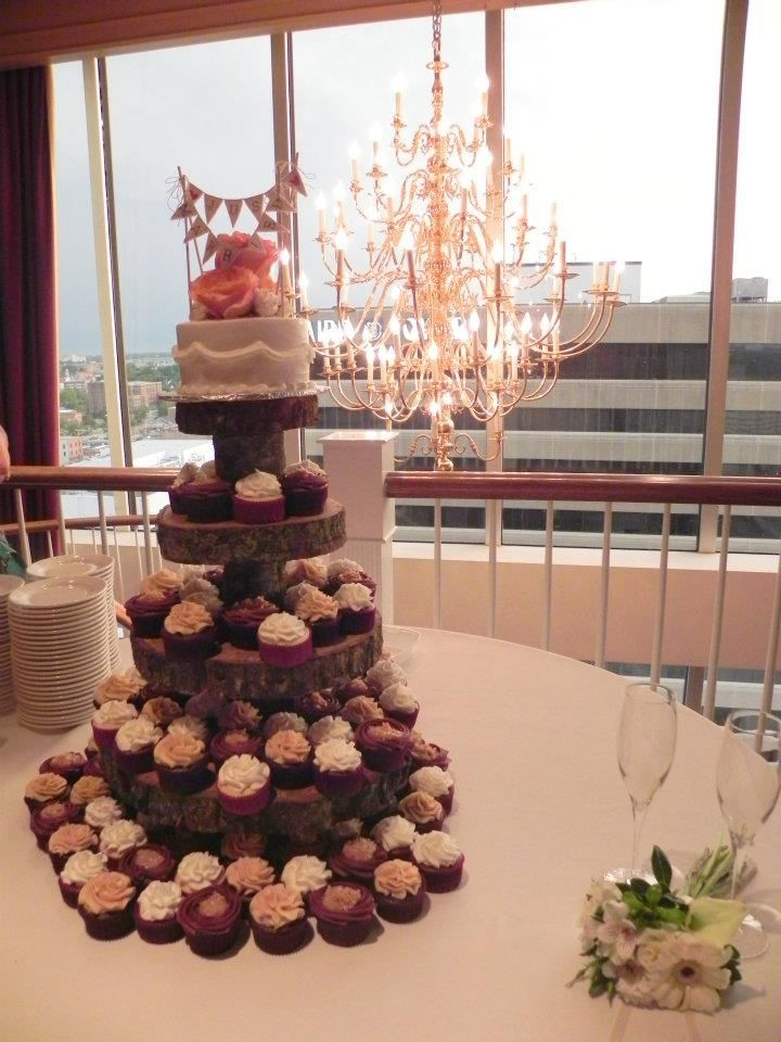 Wooden Cupcake Stand - exactly what I want. | Wedding stuff ...