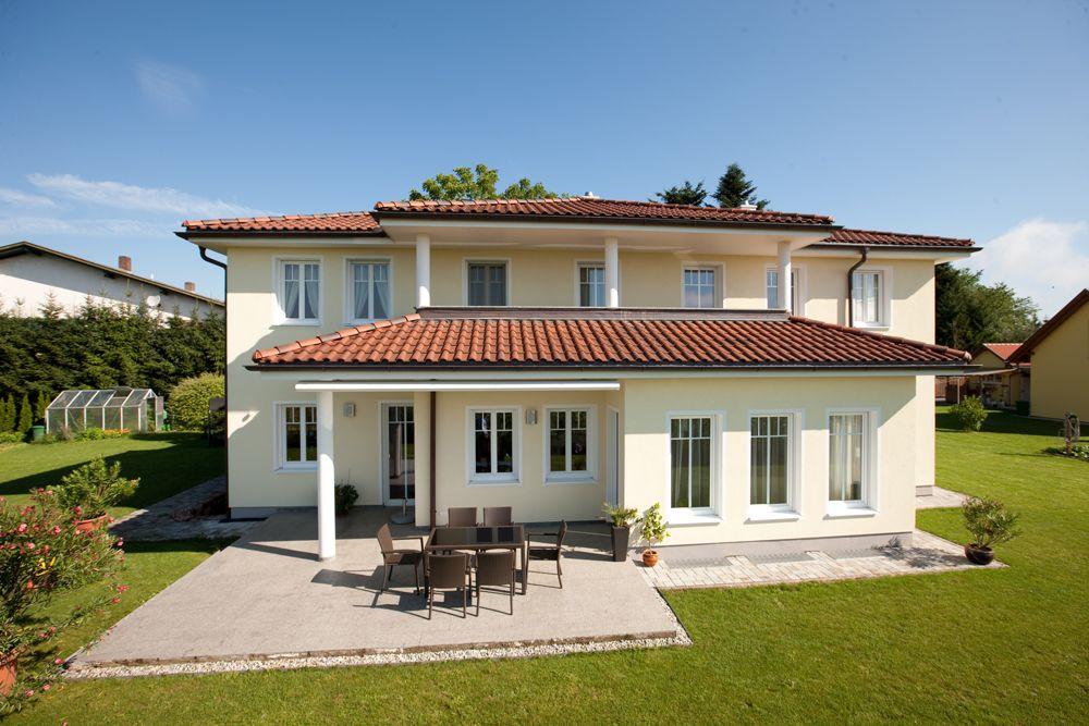 Massivhaus walmdach  Dieses und viele Häuser mehr gibt es auf Fertighaus.de – Ihr ...