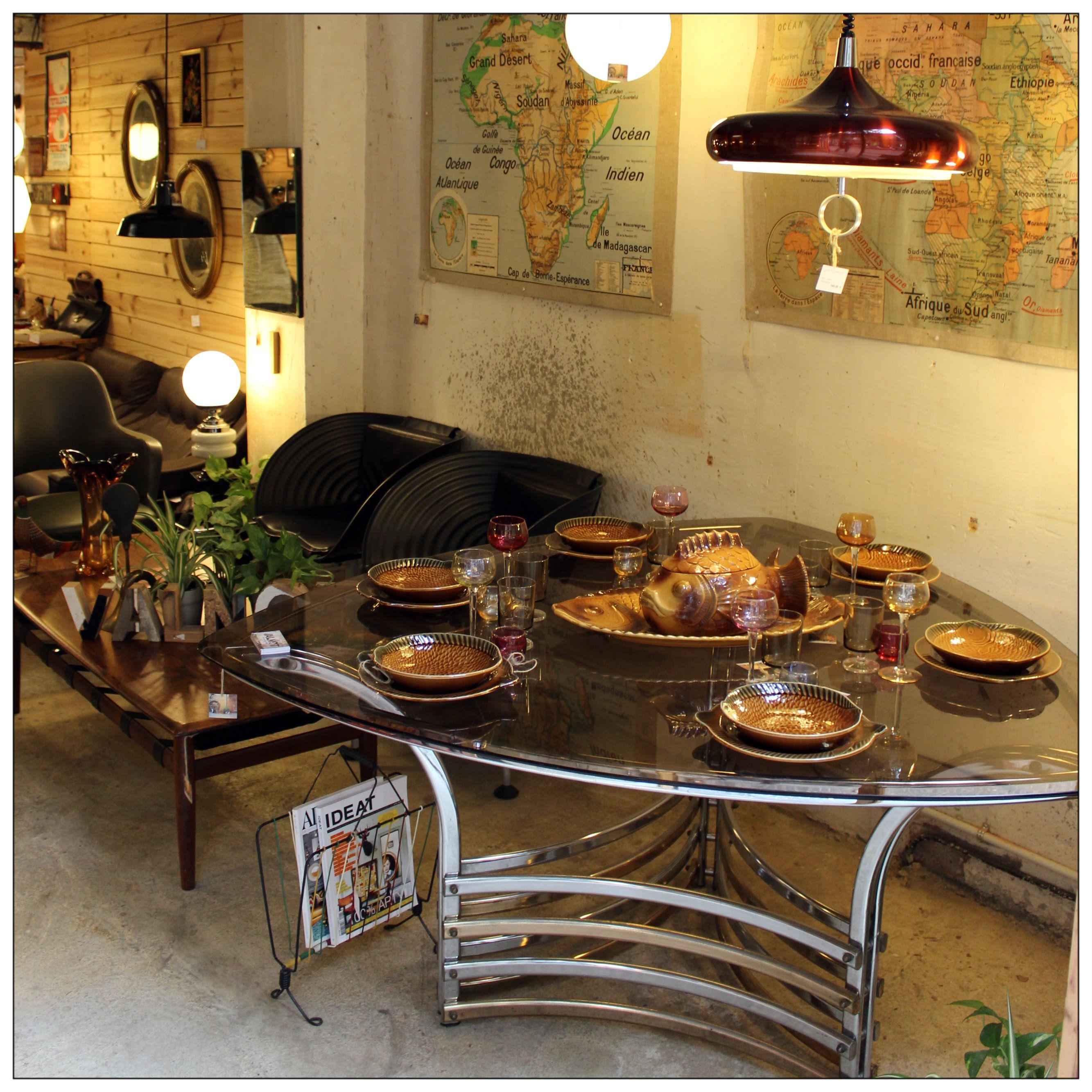 En valnot podr s encontrar objetos retro decoraci n vintage reciclaje un taller de - Taller de restauracion de muebles ...