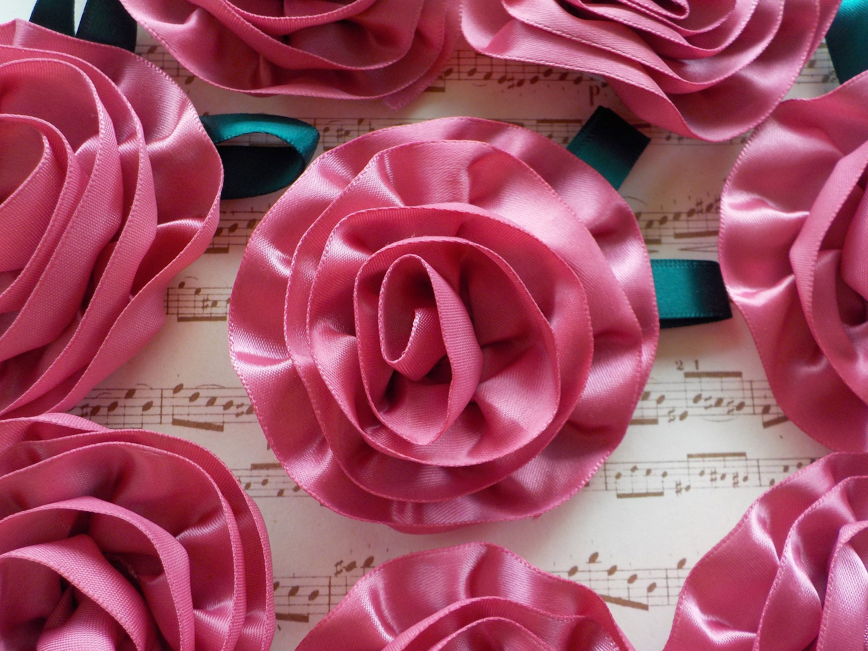 10 Large Handmade Satin Ribbon Roses Flower Craft// DIY//Wedding//Appliques
