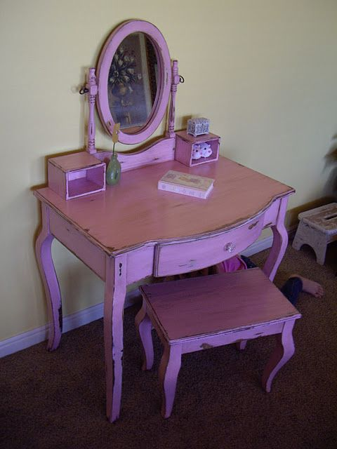 diy vanity for little girl. Painting DIY for little a girl  LOVE THIS but either white or pink