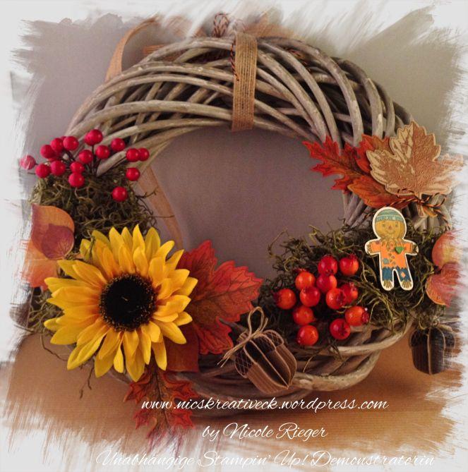 Herbstlicher Kranz mit Stampin' Up! und anderen Materialien. Vintage Leaves, Cookie Cutter Halloween, Herbstgrüße und Eichel