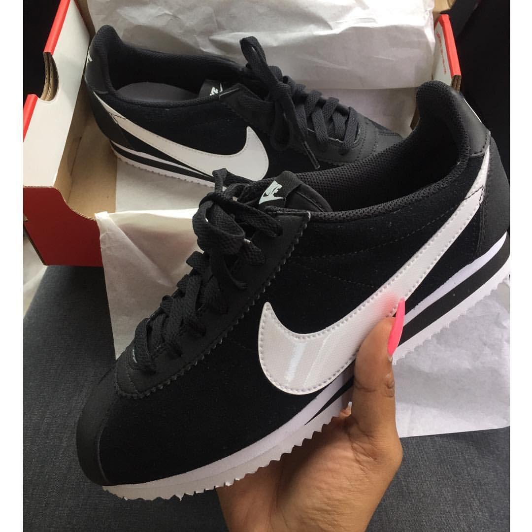Sherlina sur Instagram : Cortez @animaltracks_de. Nike CortezShoe ...
