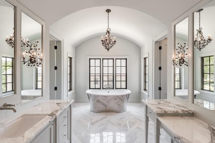 Master Bath Tub Nook With Barrel Ceiling