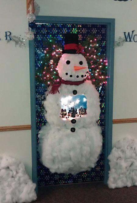 17 Ideas Para Decorar La Puerta De Tu Casa En Navidad Decoracion De Unas Manic Puerta De Navidad Decoracion De Puertas Navidenas Decoracion Puertas Navidad