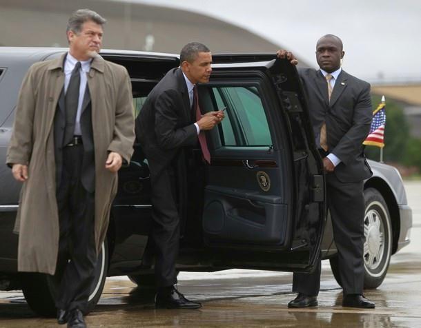 President Obama & SAIC PPD Vic Erevia | Secret Service ...