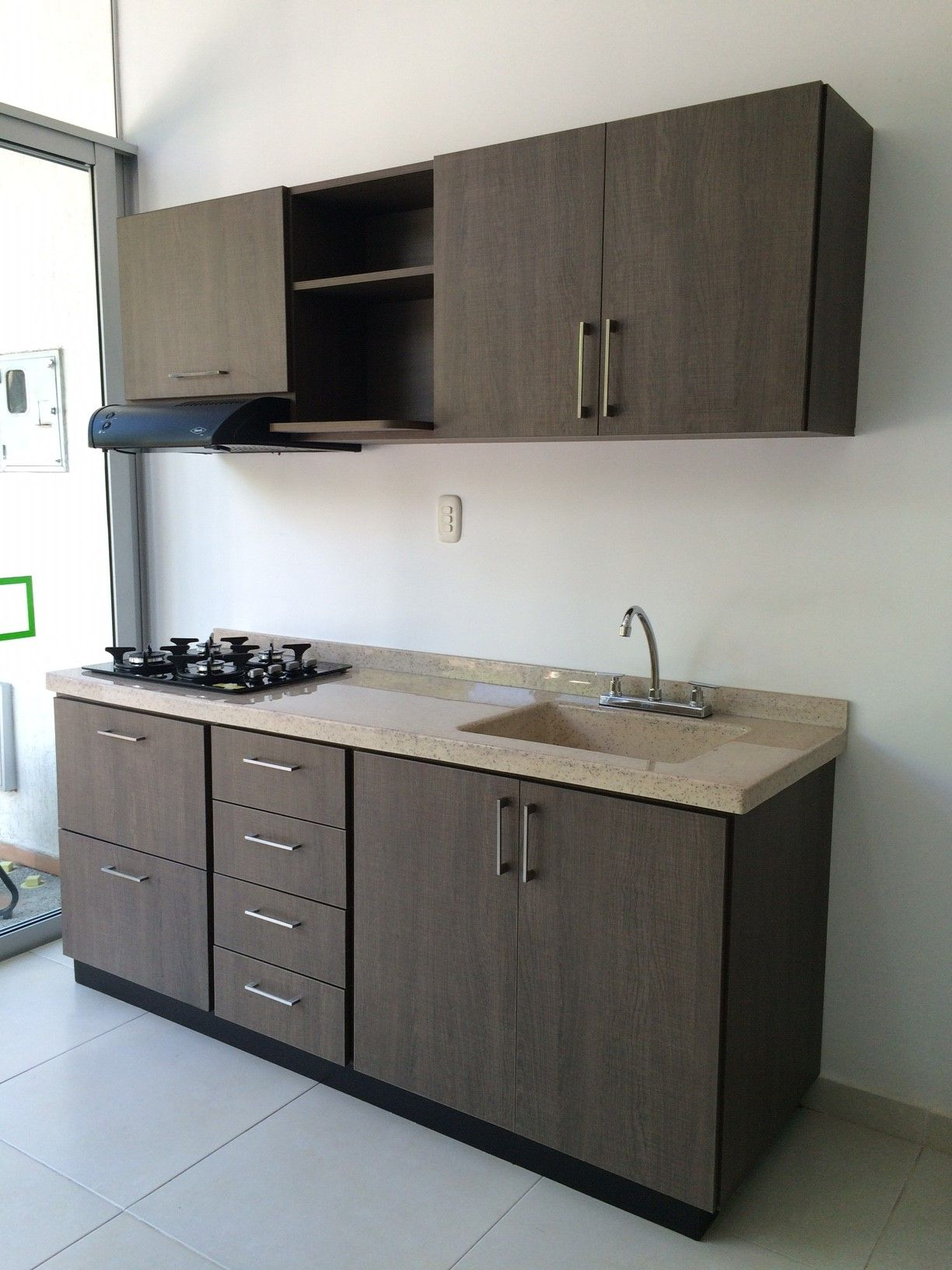 Showroom cozzina colombia melamina vesto decoraci n for Muebles para cocinas pequenas modernas
