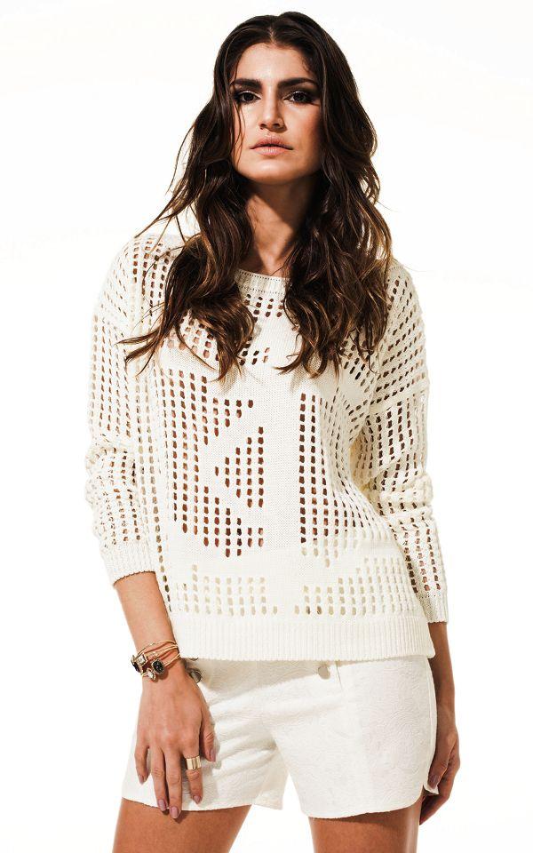 Lookbook Raizz Primavera-Verão 14 - Tricot vazado off-white, com  desenho de âncora. Shorts de jacquard off-white  com cintura alta