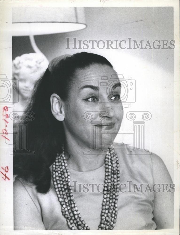 My teacher in a 1968 Press Photo. Violinist Esther Glazer Hoffman