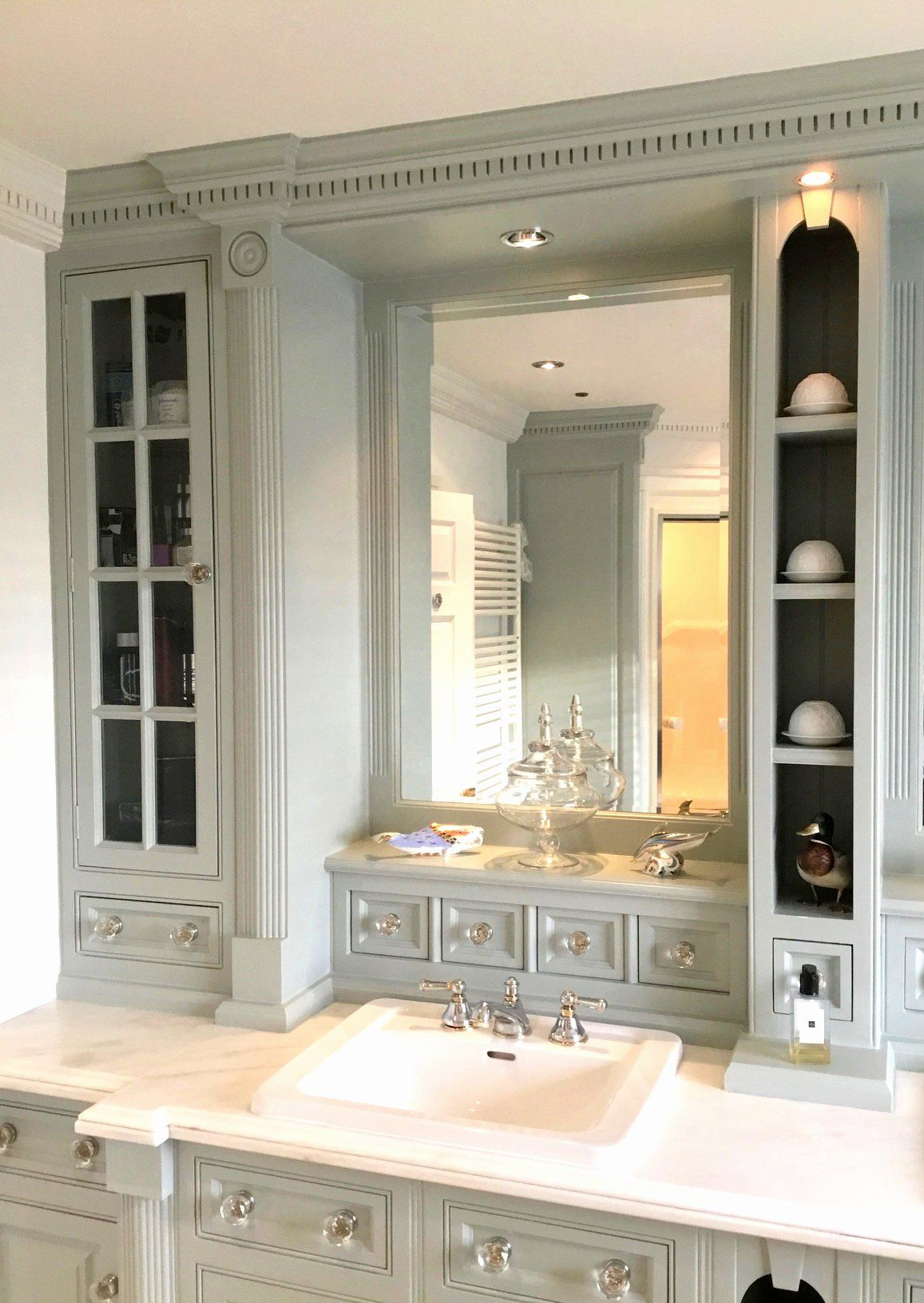 Second Hand Bathroom Vanities Beautiful Used Clive Christian Bathroom And Vanity Unit Used In 2020 Bathroom Vanity Bathroom Vanity