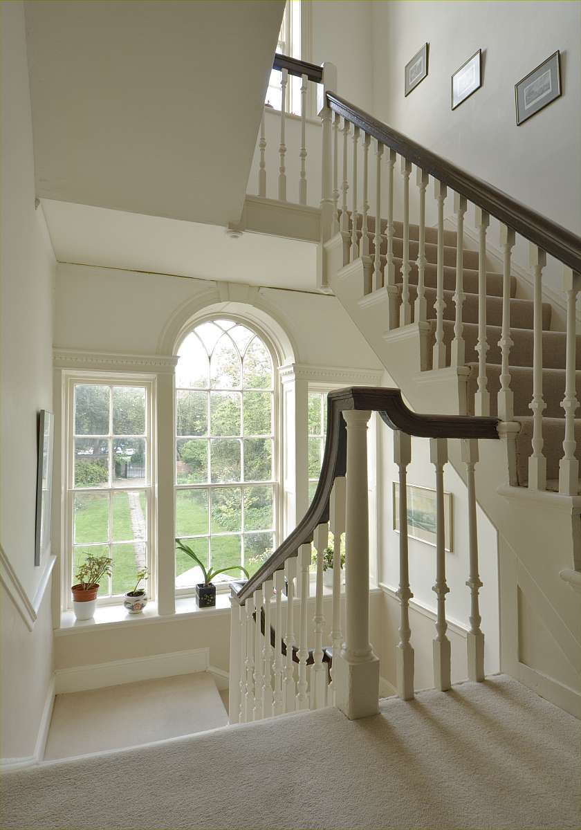 Grand stair to a georgian house helyerdavies house for Georgian staircase design