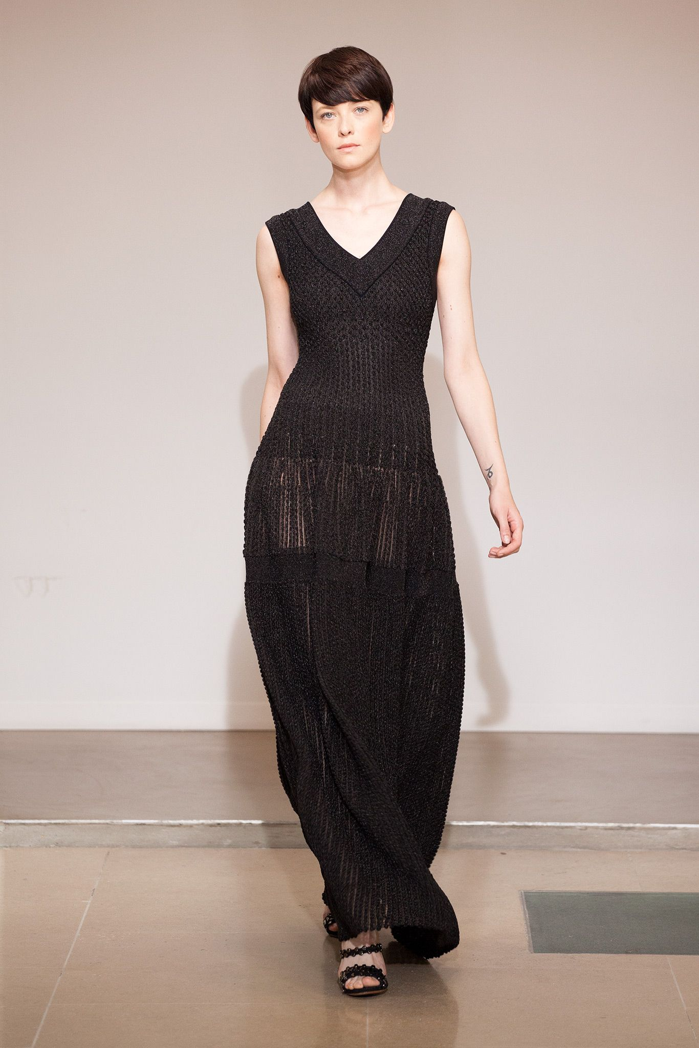 Azzedine Alaïa Stages a Sweeping Spring '15 Show of 90 ...