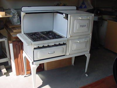 Well known ANTIQUE ROPER GAS STOVE MID 1920'S -- Antique Price Guide Details  WU03