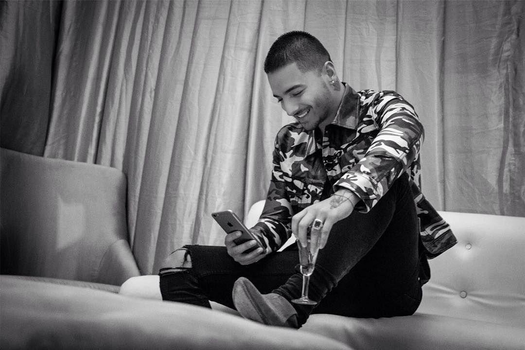 """""""No me canso de leerlos.. Gracias por sus mensajes y vídeos de #elperdedor #, mi nuevo sencillo!!! GRACIAS Y MÁS GRACIAS!!!"""""""