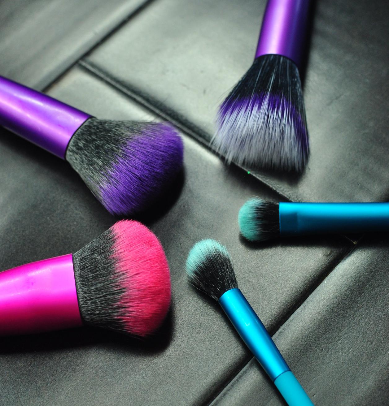 Moda Pro Makeup Brushes By Royal & Langnickel Makeup