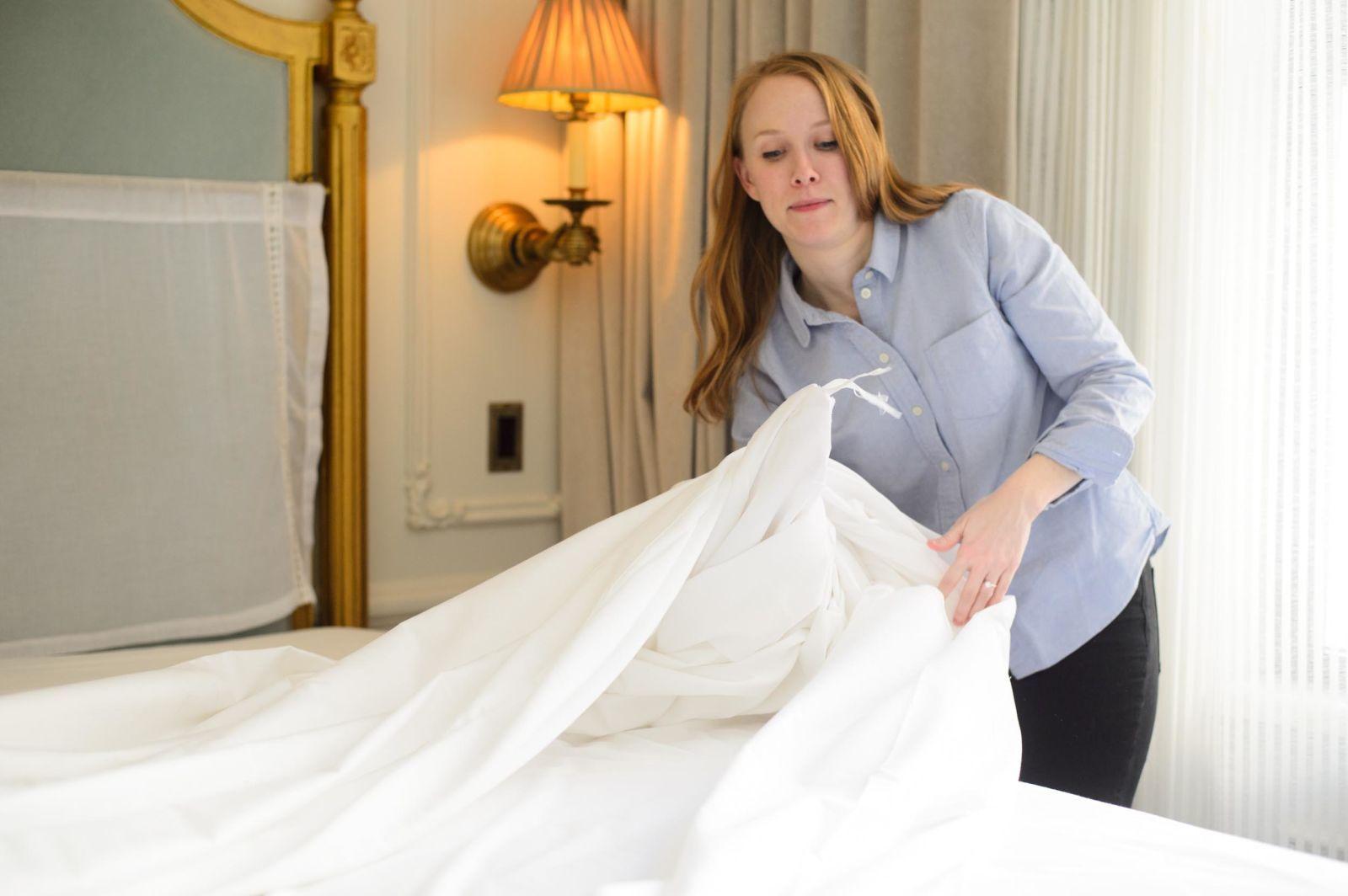 5 Secrets To Making A Bed Like A Hotel Housekeeper Make Bed Like