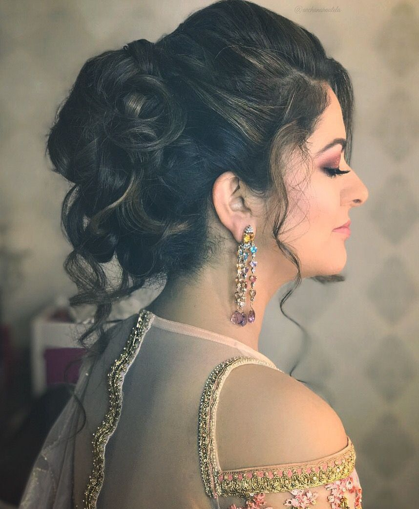 Pin By Kairafashion On Earrings Indian Party Hairstyles Party Hairstyles Hair Styles