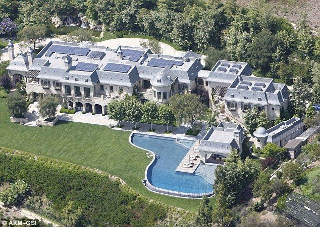 Gisele Bundchen And Tom Brady Are Building A Mega Mansion In