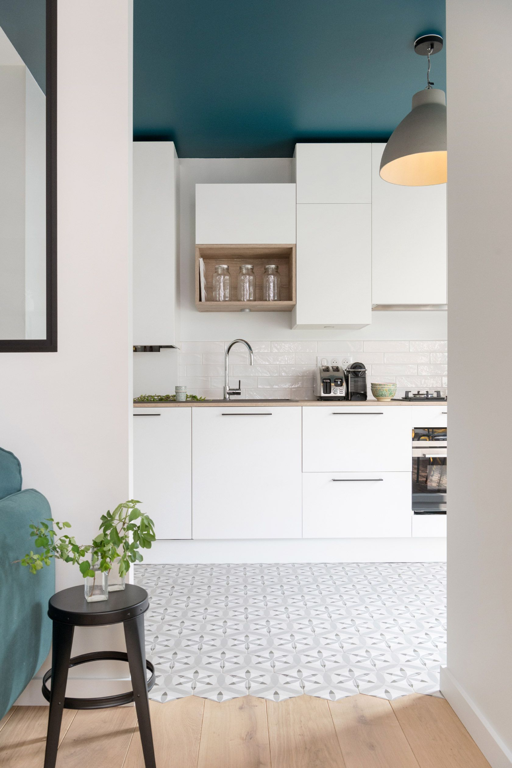 Cuisine Blanche Et Bois Cuisine Blanche Et Bois Campagne Cuisine Blanche Et Bois Credence Cuisine Blan In 2020 Design Your Kitchen Design Home App Design Your Home