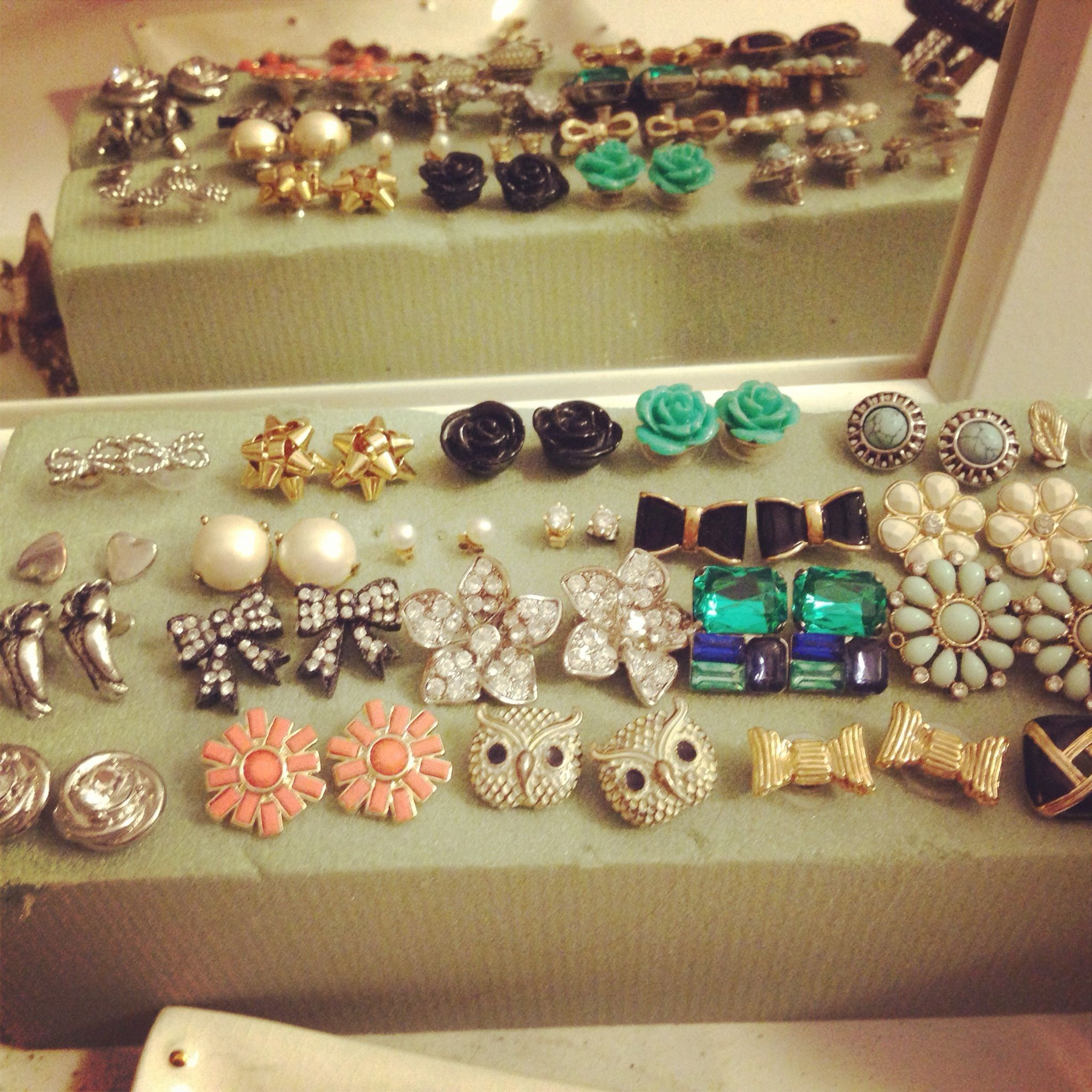 how do you to keep earrings in hack pro tip organize your stud earrings in florists 9297