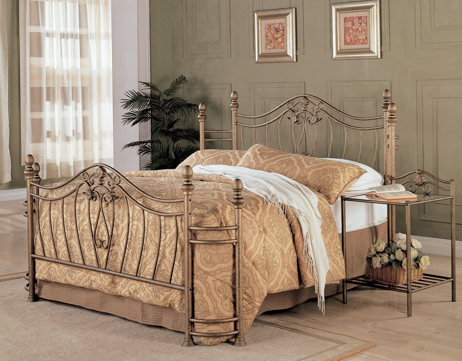 Sydney Golden Metal Queen Bed Bedroom Set Headboards For Beds