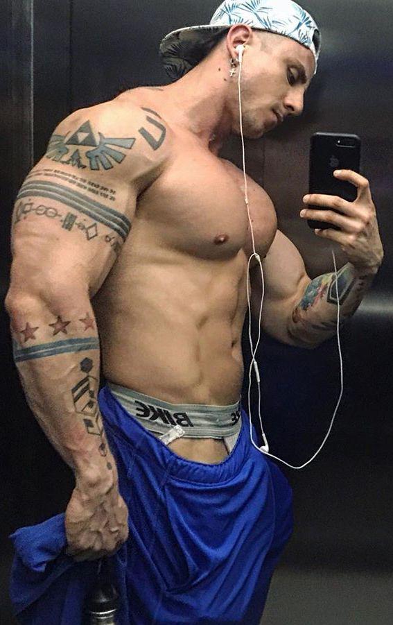 Pin de фывф спаноа en Качки | Pinterest | Cuerpos masculinos ...