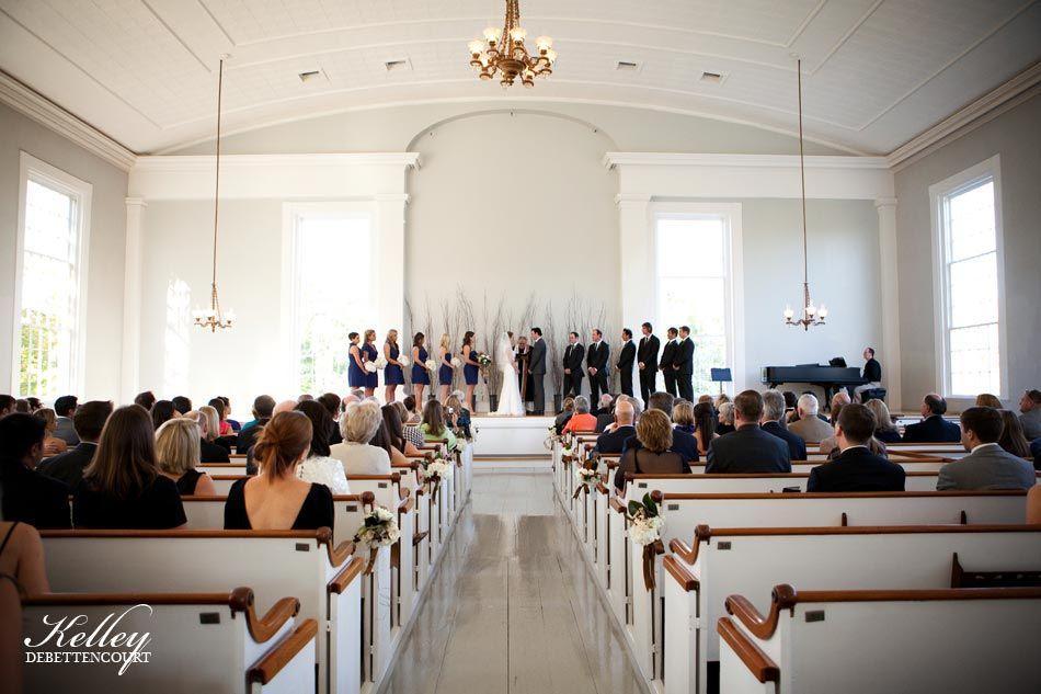 Island photographer Kelley DeBettencourt captures Sean and Erin's Old Whaling Church wedding