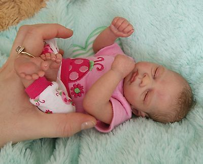 Tiny Mini Reborn Baby Girl Quinn By Tamie Yarie Sold Out Le Reborn Babies Cute Baby Dolls Baby Dolls