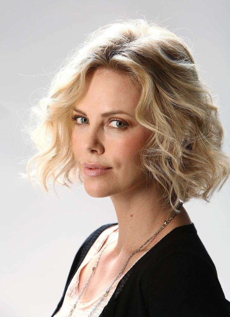 Charlize Theron Wiki 2021: Net Worth, Height, Weight