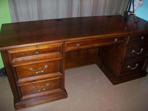 Stanley Executive Desk Designed For Change Desk Design Big