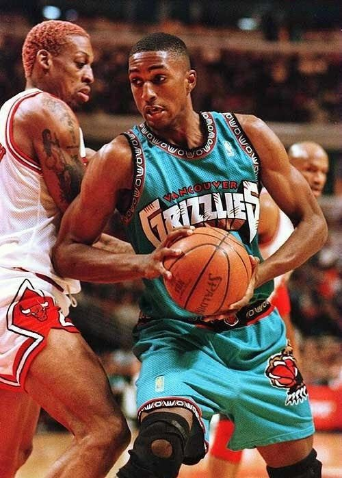 Shareef Abdur-Rahim Vancouver Grizzlies Chicago Bulls Dennis Rodman Ron  Harper d1d1de7fc