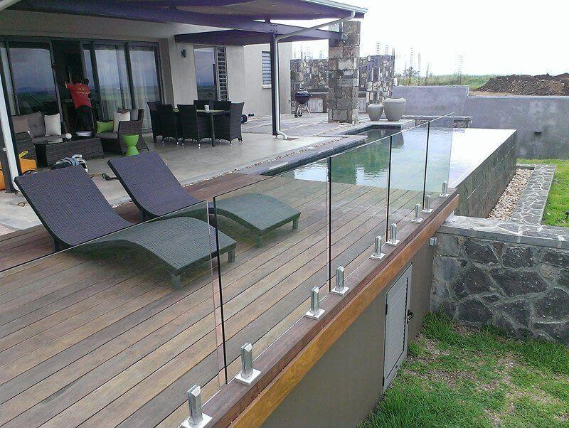 Australia Frameless Glass Pool Fence 1000 In 2020 Railing Design Glass Railing Deck Balcony Railing Design