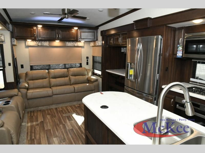 New 2018 Forest River Rv Cardinal Luxury 3250rlx Fifth Wheel At