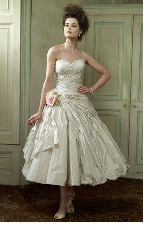 1000  images about Vintage Wedding Dresses on Pinterest  Gowns ...