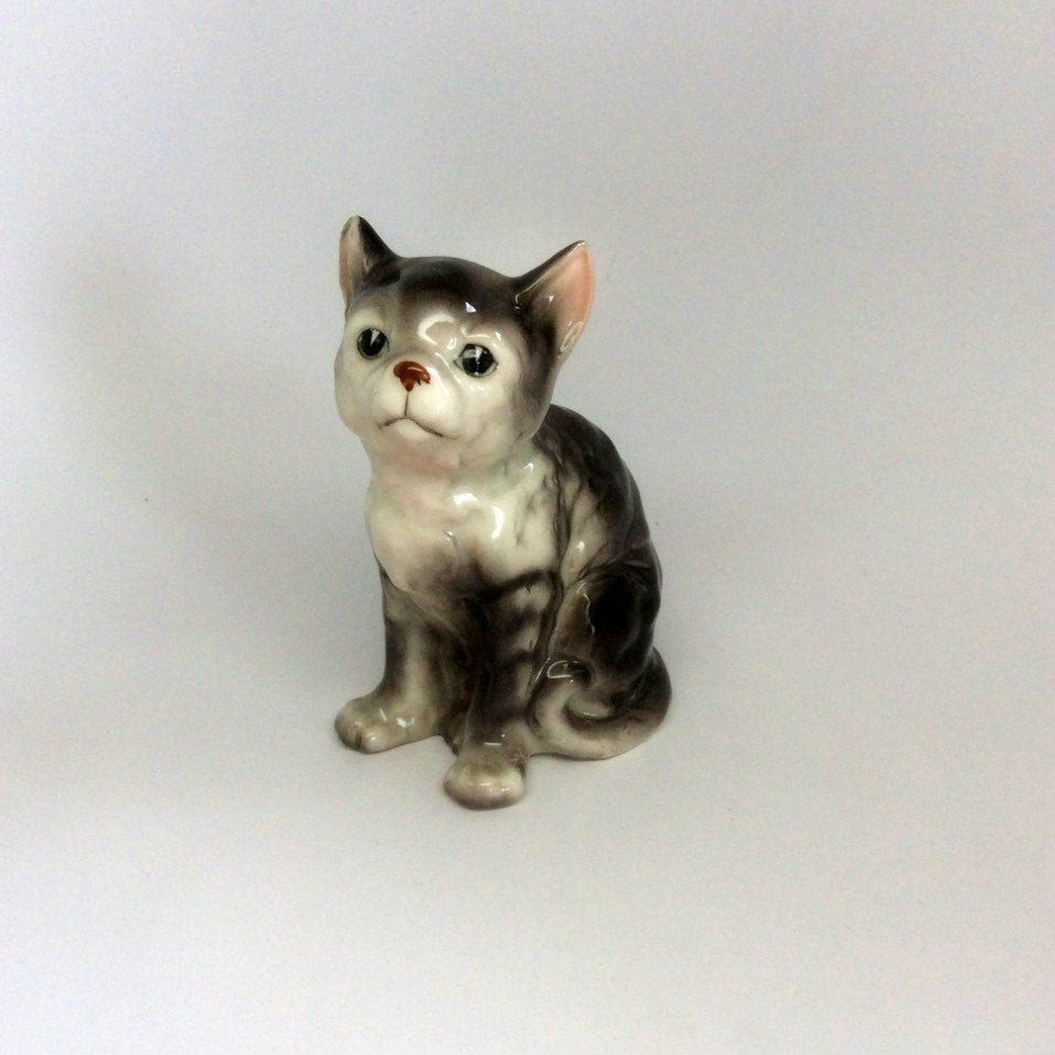 Vintage Gray Striped Tabby Cat Figurine Made In Japan Tabby Etsy In 2020 Tabby Cat Grey Tabby Cats Cute Cats