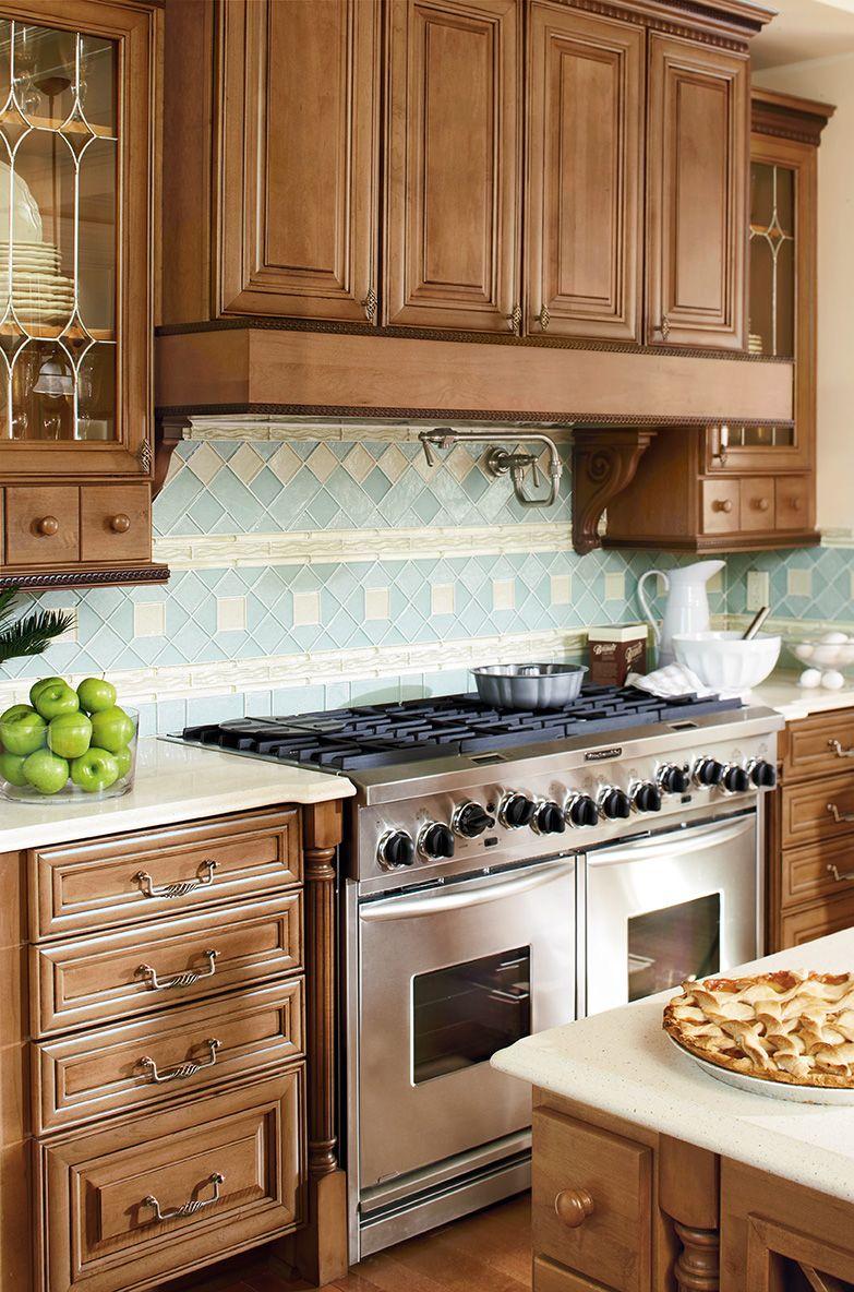 Shenandoah Cabinetry, Kitchen in Maple Mocha, McKinley ...