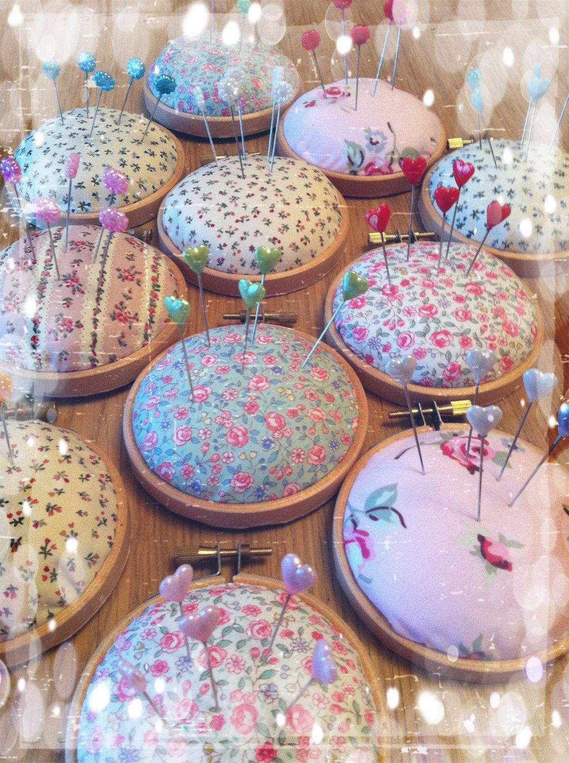 Embroidery hoop pincushion! This is so simple! I love it!                                                                                                                                                                                 More