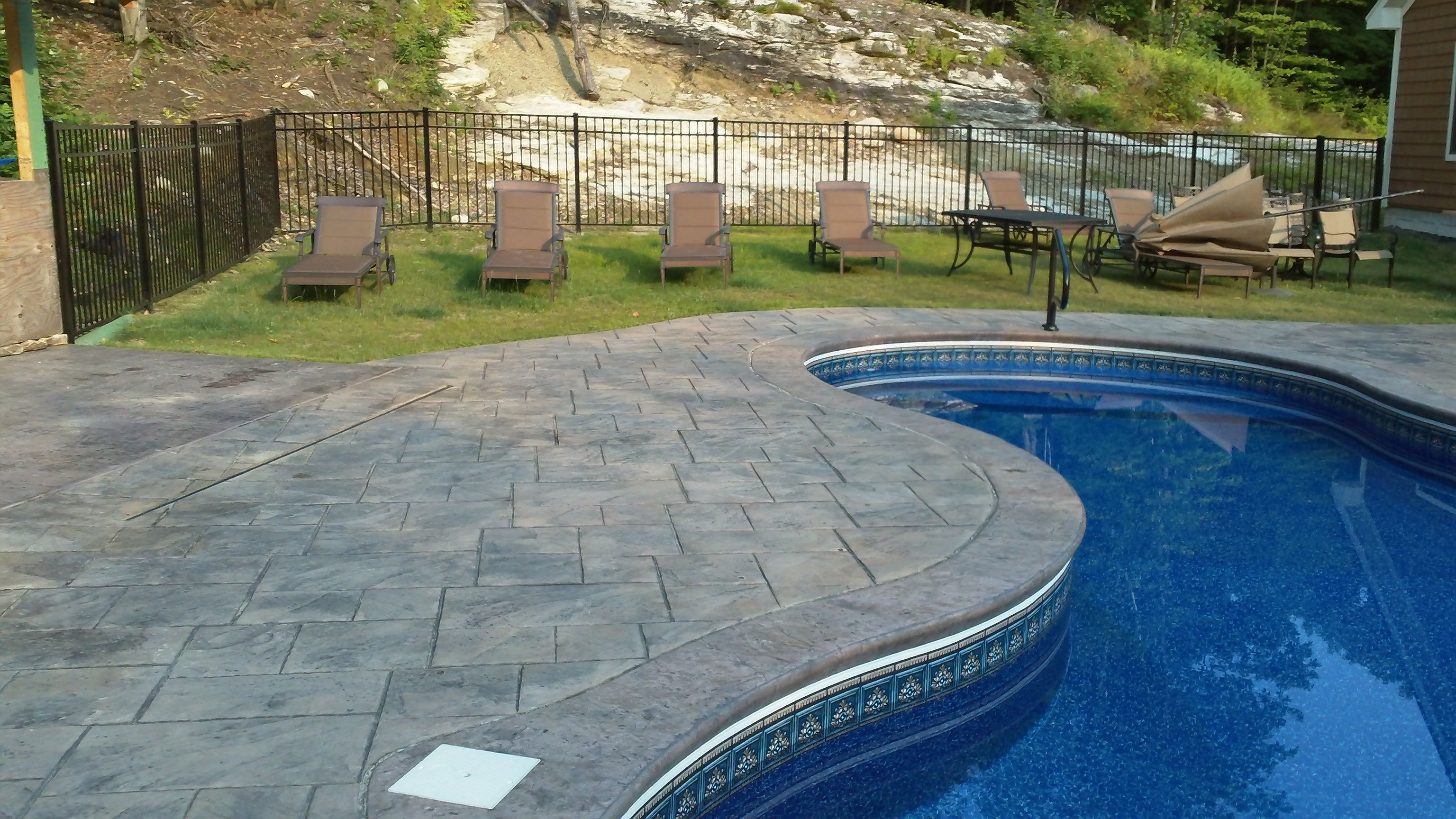Stamped Concrete Pool Deck And Patio Grand Ashlar Slate Pattern