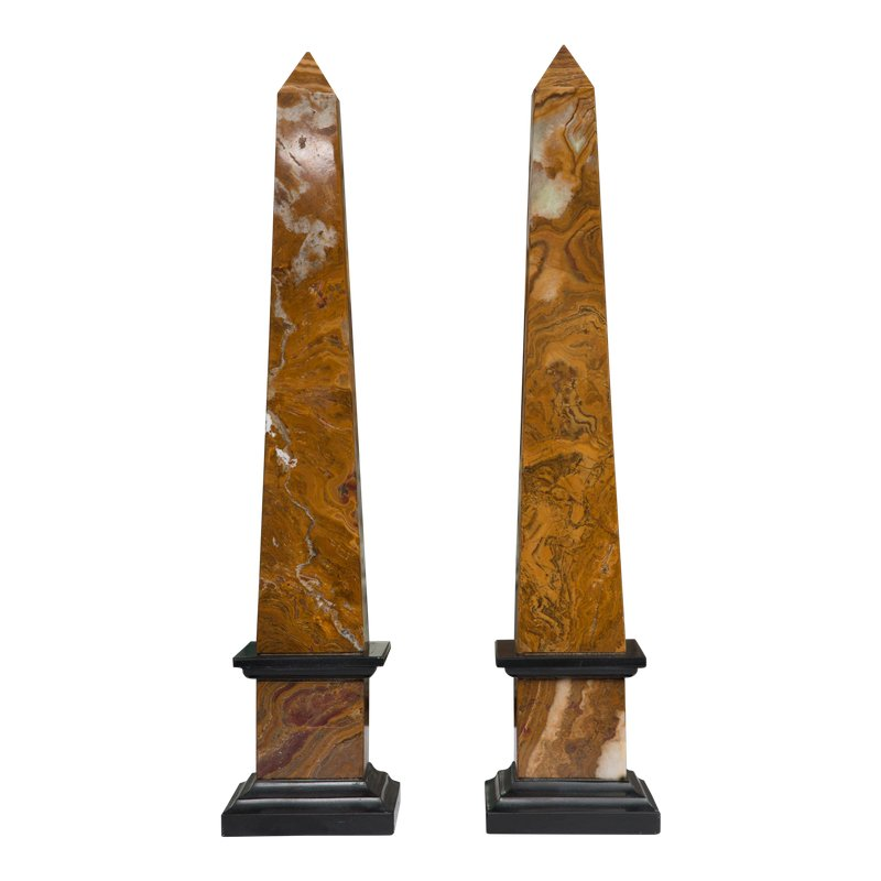 Pair Of Marble Obelisks Matta Foremal Lampor
