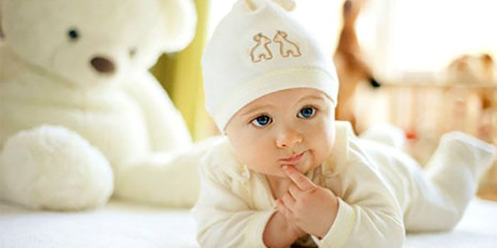 0a27252e8 How to dress a newborn baby. Dressing a newborn tips for any weather ...