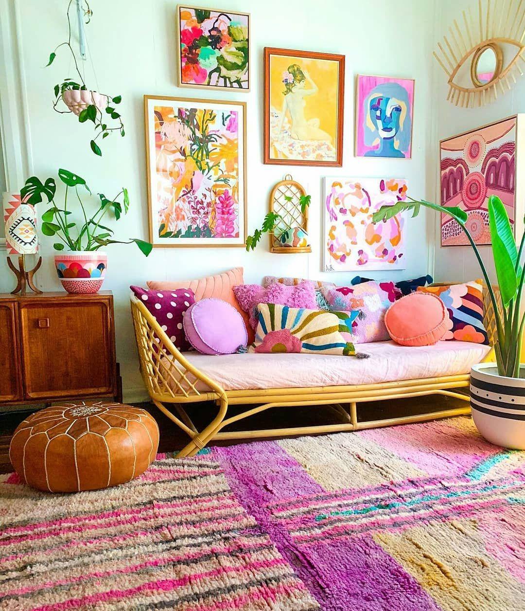 Bazen her şey sararıp solar biz hep renga rengarenk 💚💜💛 #rengarenk #dekorasyonfikirleri #dekorasyonönerileri #colorful #inspiration #decorideas #decoraçãodeinteriores
