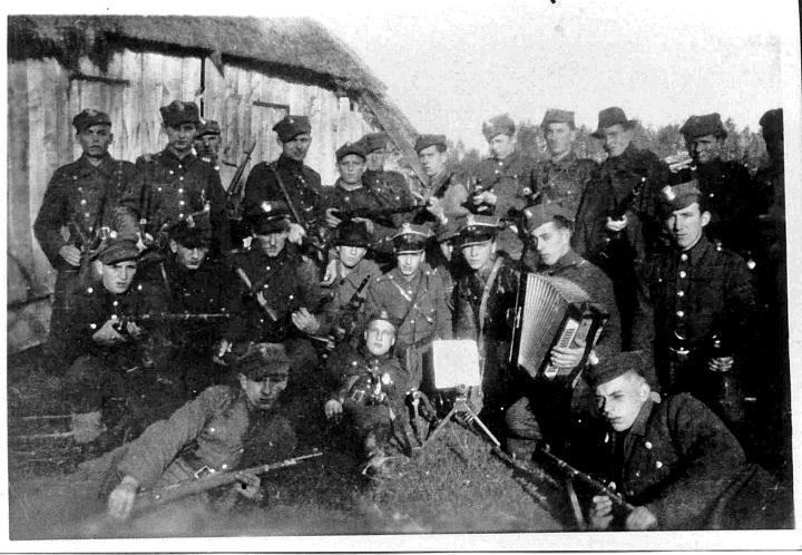 Zolnierze Oddzialu Groznego Jesienia 1945 R Historical Figures Historical Art