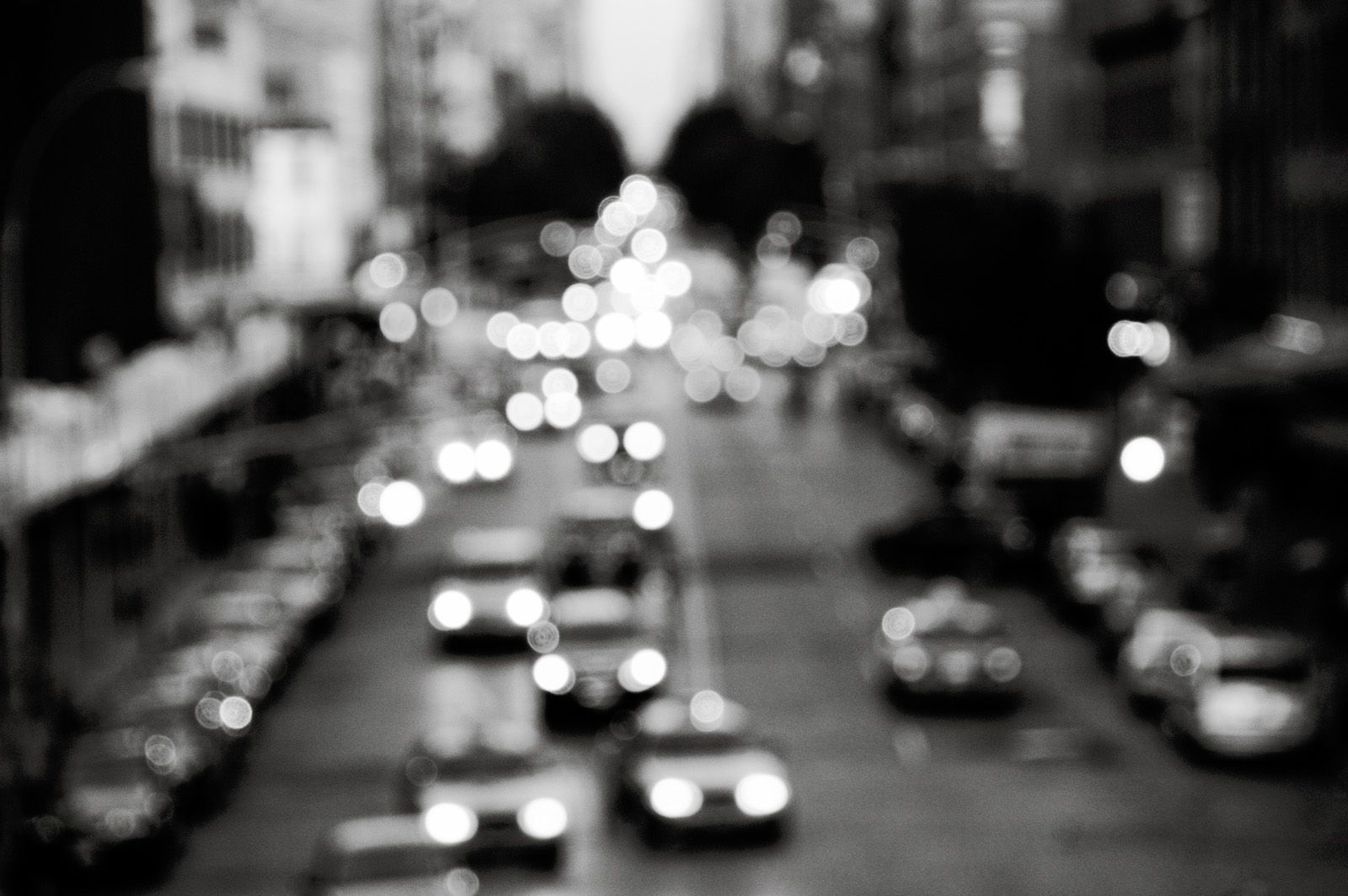 Blurred City Lights Black And White (id: 58779) | Buzzerg.com