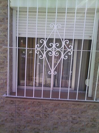 Rejas para ventanas verjas pinterest - Rejas para balcon ...